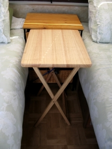 table bungied for travel