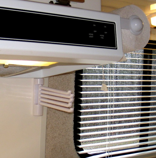 Travel Paper Towel Holder: Mods, Another Valance & Packing To Go
